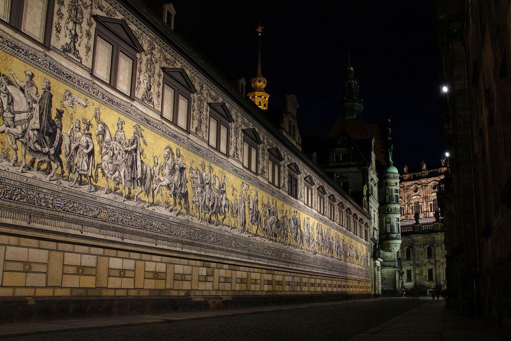 Fürstenzug bei Nacht