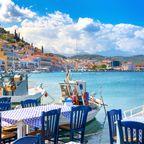Sie genießen die Sonne am Mittelmeer