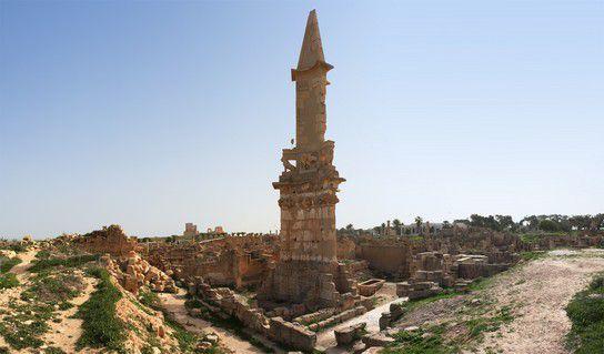 Ruine eines Turmes in Leptis Magna