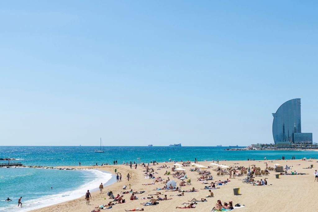 Barcelona: Mit der U-Bahn zum Baden