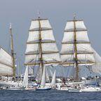 Das berühmte Segelschiff Gorch Fock im Kieler Hafen während der alljährlichen Windjammer-Parade