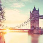 Tower Bridge und Themse bei Sonnenaufgang