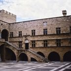Rhodes_Palace_of_the_PGM_inside_square.JPG
