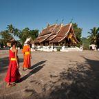 Buddhistische Mönche im Wat Xieng Thong Kloster