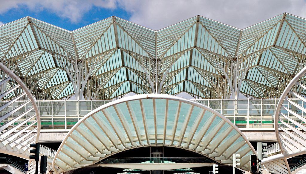 Der Gare do Oriente in Lissabon wird jährlich von 75 Millionen Reisenden frequentiert