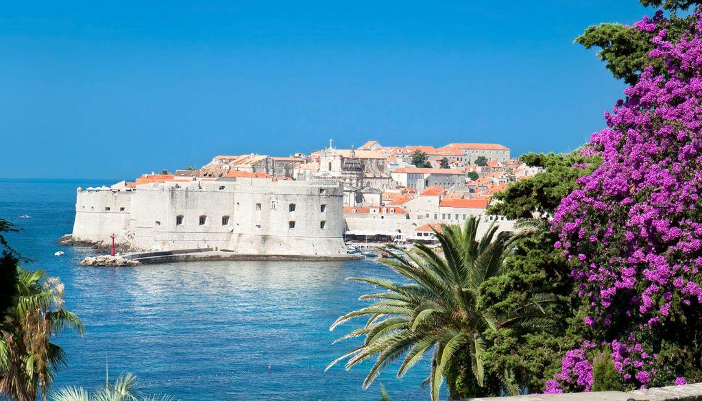 Abseits der Hochsaison lassen sich an der Algarve in Portugal günstige Angebote finden.