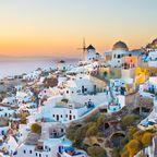 Platz 9: Griechenland punktet bei deutschen Reisenden mit idyllischen Inseln wie Santorin oder feslsigen Landschaften.