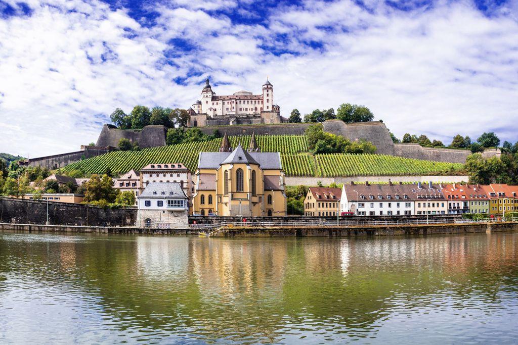 10 größte Städte in Bayern, Platz 6: Würzburg