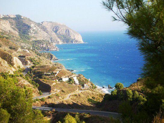 Steilküste von Maro