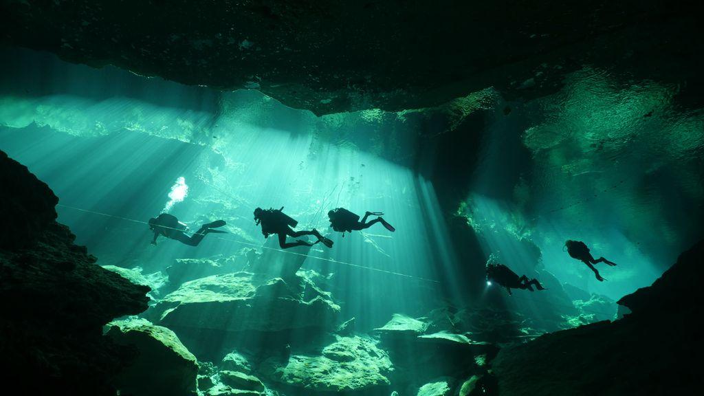 Cenote Lichtspektakel