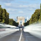 Die Champs-Élysées werden zur Triumphstrecke für Helden