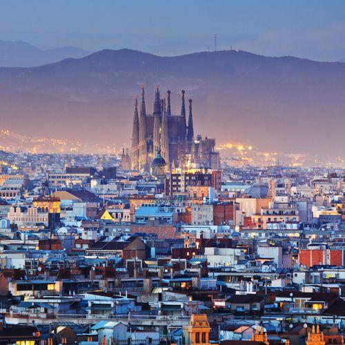 Blick von Montjuïc über die Dächer Barcelonas