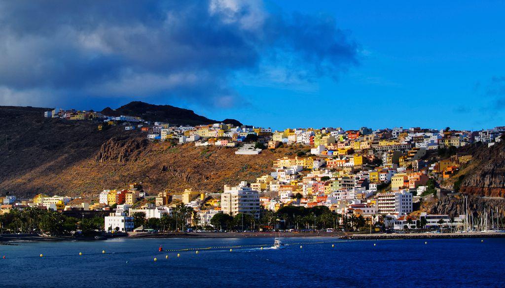 San Sebastián ist die pittoreske Hauptstadt der Insel