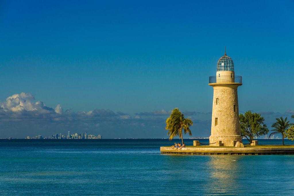Boca Chita Key vor Miamis Skyline
