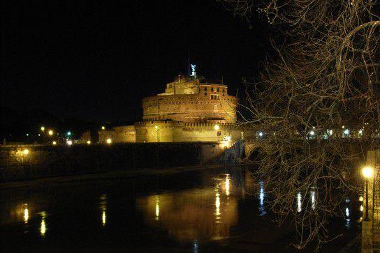 Engelsburg, Rom bei Nacht