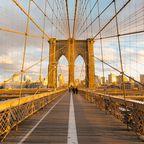 Die Brooklyn Bridge, eines der Wahrzeichen der Stadt