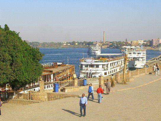 Kreuzfahrtschiffe auf dem Nil