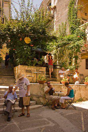 Strassencafe in Korfu Stadt