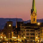 Zürich mit Blick auf die Basilius-Kathedrale im Winter