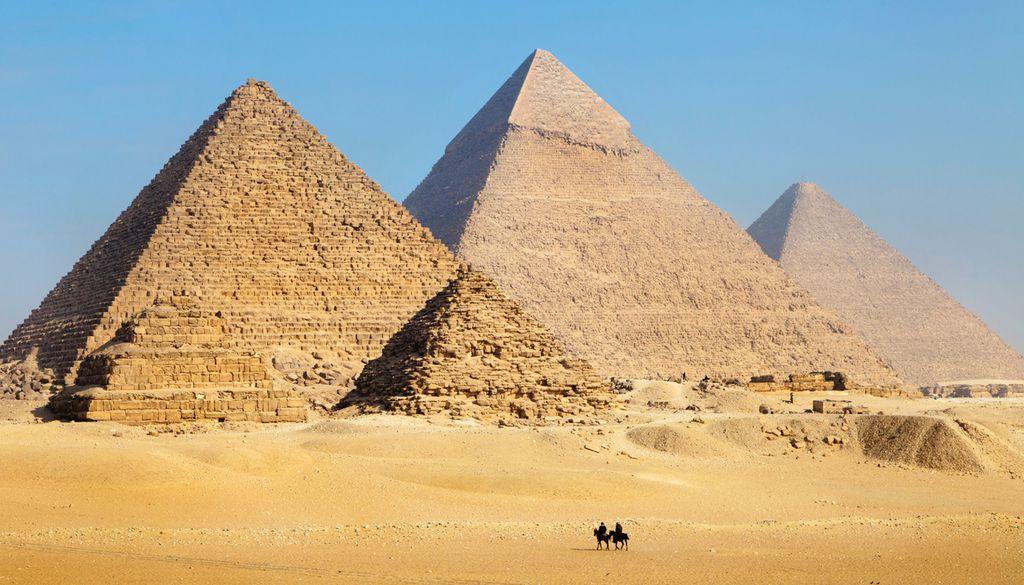 Die Pyramiden von Gizeh faszinieren nicht nur von der Erde aus