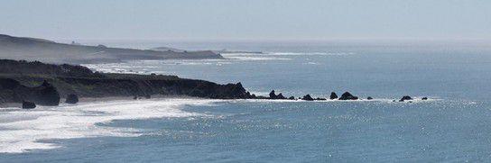Ausladende Küstenlinie
