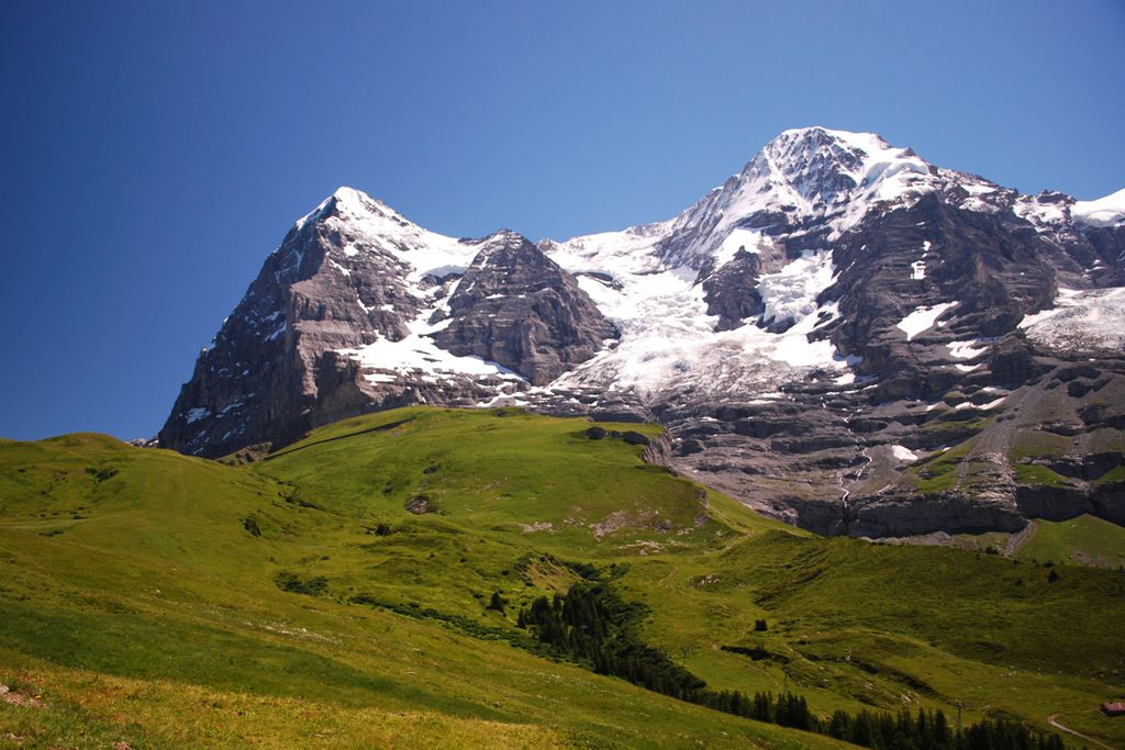 Eine echte Herausforderung bietet die Eiger-Nordwand in der Schweiz