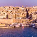 Luftpanoramablick über der alten Stadt Valletta auf Malta
