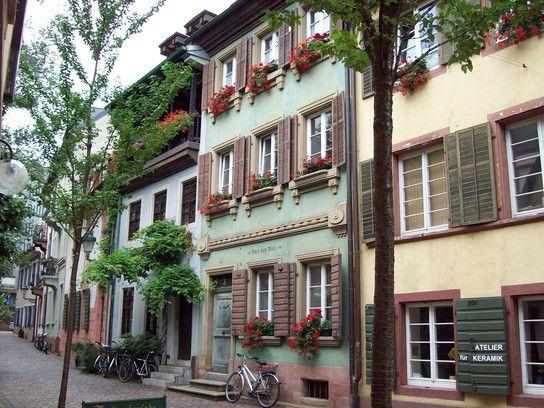 Freiburg im Breisgau, alte Häuserfassaden