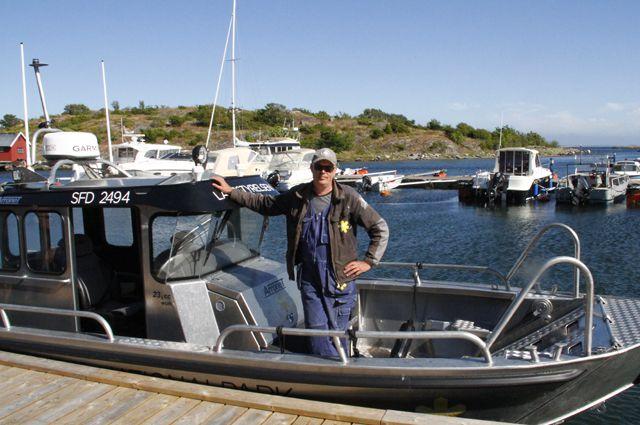 Ranger Tomas auf seinem Boot