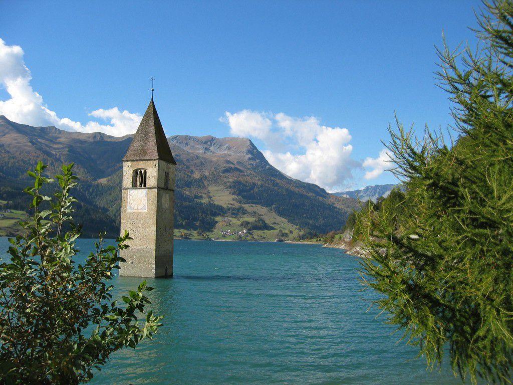 Reschensee in Südtirol.jpg