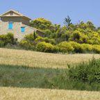 Typisches, schönes Haus in der Provence.jpg