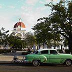 Klassisches amerikanisches Auto auf Kuba
