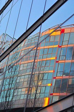 Spiegelung im Sony Center Berlin