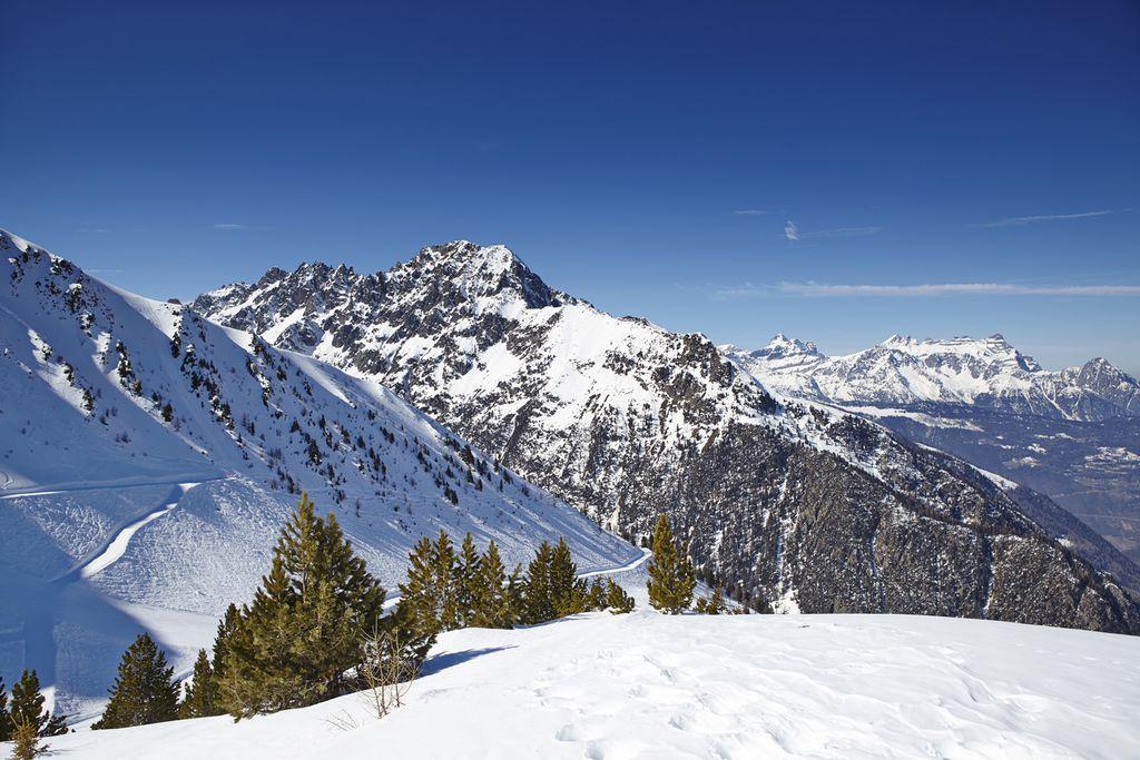 Schneebedeckte Berge in Martigny