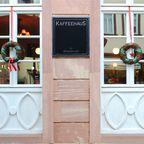 Fassade Kaffeehaus im Advent