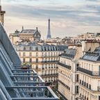 Die Dächer von Paris mit dem Eiffelturm
