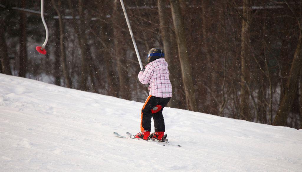 Der Winterberg bietet preisgünstigen Skispaß im Sauerland