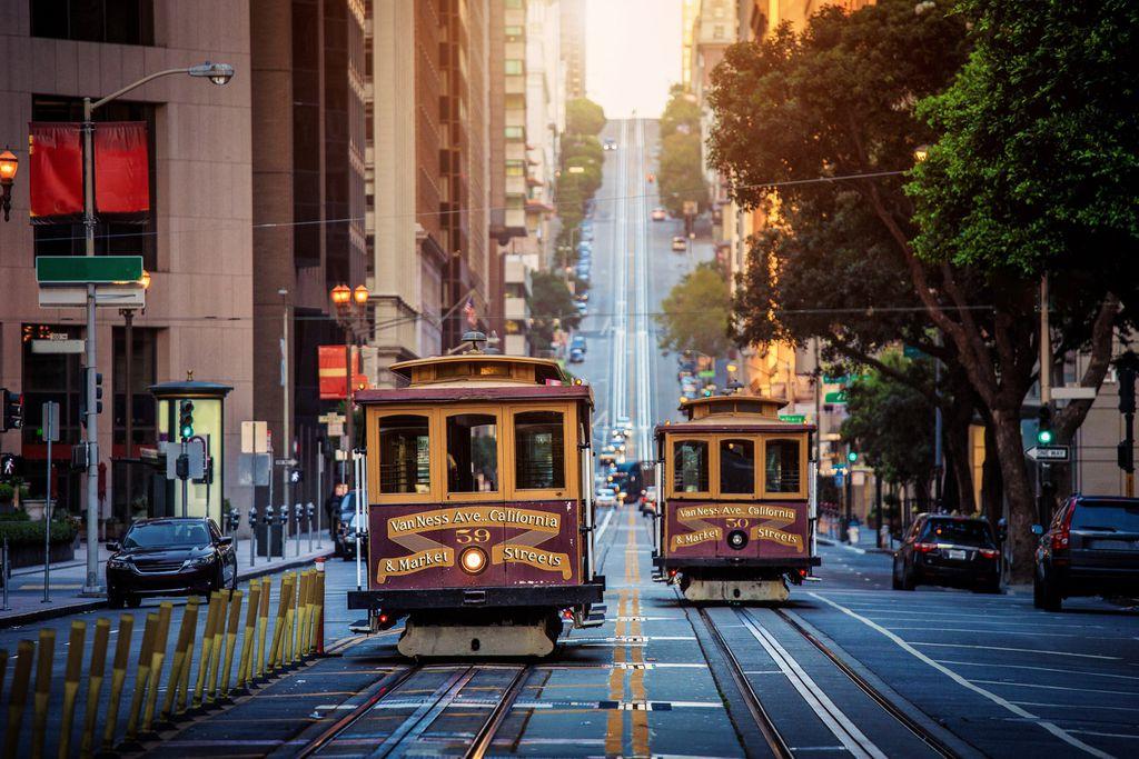 Die historischen Cable Cars sind von der berühmten California Street in San Francisco nicht mehr wegzudenken.