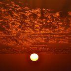 Der Himmel brennt weiter
