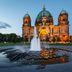 Berliner Dom in der Dämmerung