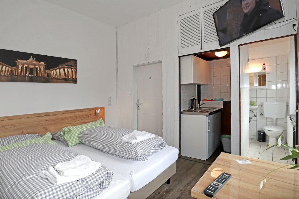 Kleines Apartement mit Küche und Bad