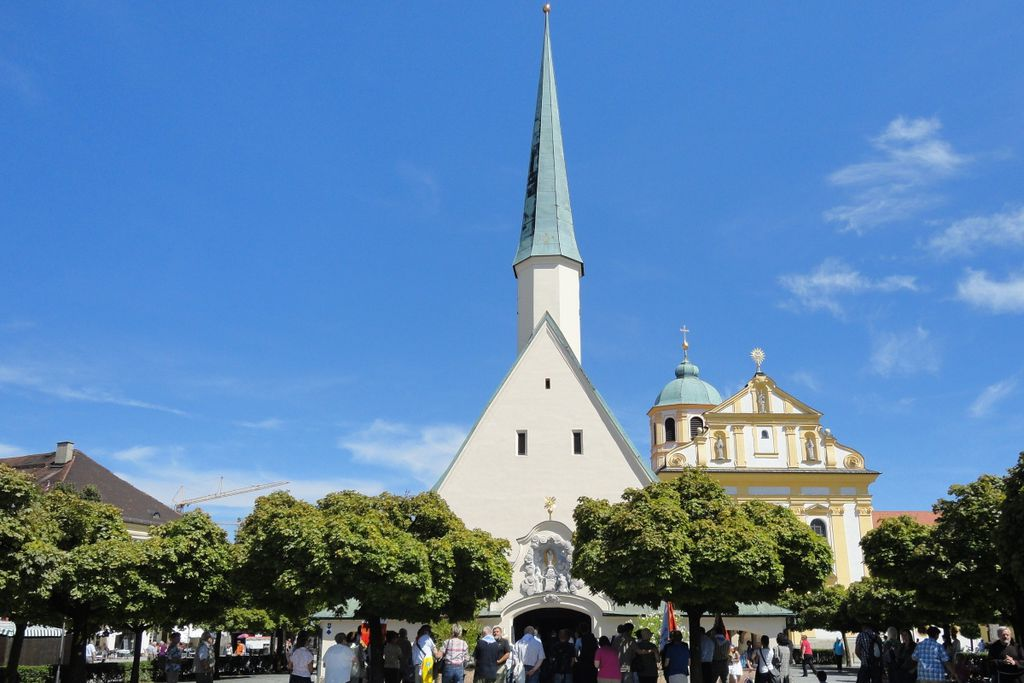 """Die """"Schwarze Madonna"""" zieht Millionen Menschen nach Bayern"""