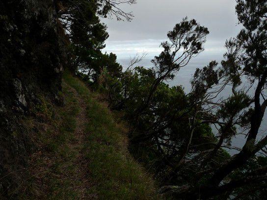 Nah am Abgrund, Azoren