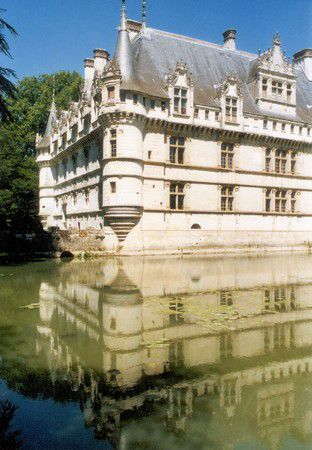 Schloss Azay-le rideau im Spiegel