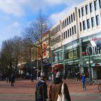 Ottensen ist ein beliebtes Einkaufsviertel. Hier gibt es neben großen Kaufhausketten auch kleine individuelle Boutiquen.