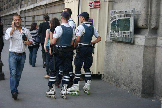 Polizei auf Rollerblades, Paris