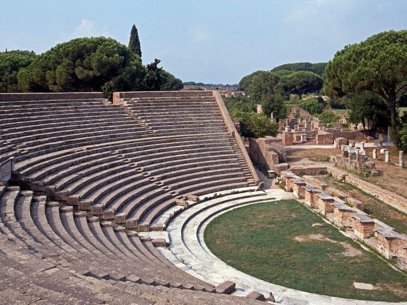 Ein absolutes Highlight ist die etwas außerhalb gelegene Ostia Antica