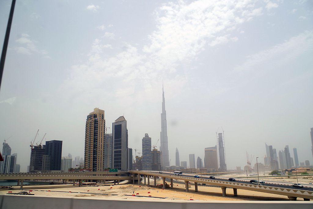 Burj Khalifa oder Turmbau zu Dubai.