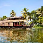 Genießen Sie indische Speisen auf dem Wasser der bekannten Backwaters