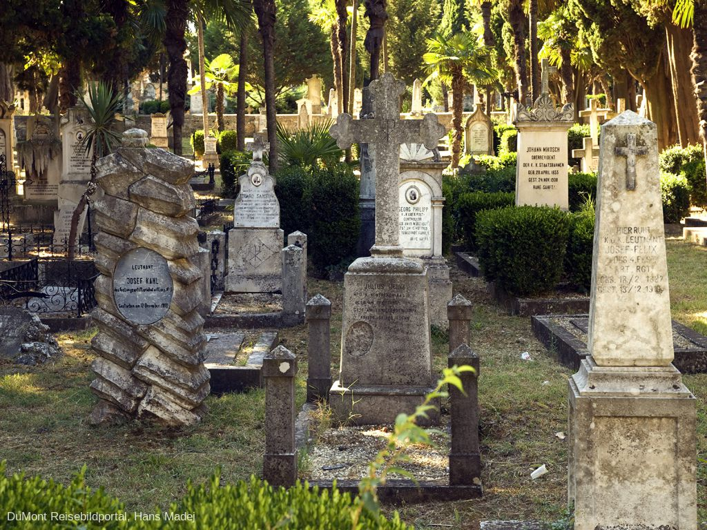 Mornaričko spomen groblje